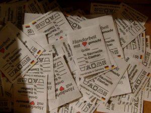 Textiletiketten nach Textilkennzeichnung, sofort lieferbare; 50 Stück ab 1,50 €