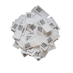 25 Textiletiketten - Größe 110/116 auf Mischband